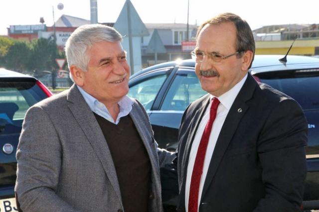 Bafra Belediye Başkanı Zihni Şahin, halkın içinde olmaya devam ediyor.