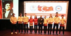 """Samsun'da """"Sporun Enlerine ödül verildi"""