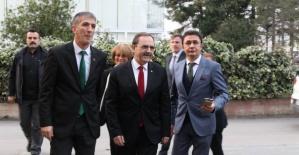 Zihni Şahin MHP'yi ziyaret etti
