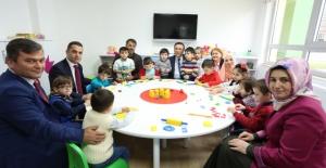 Başkan Genç'ten Çocuklara Anlamlı Hediye