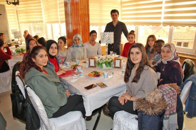 Başkan Şahin Turizm Fakültesi Öğrencileriyle Buluştu