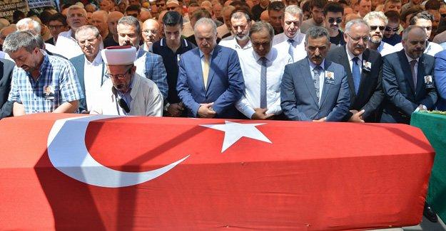 Eski CHP Milletvekili Kalkavan toprağa verildi