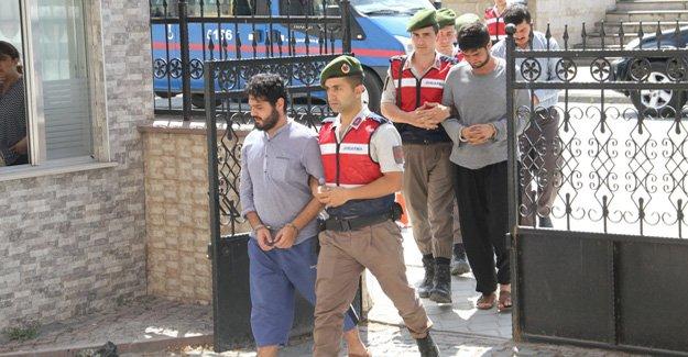 Bafra'da boğulan öğrencilerinin hocaları adliyede