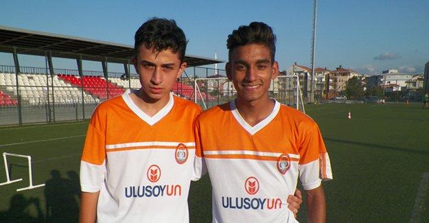 Karabükspordan Bafralı iki futbolcuya davet