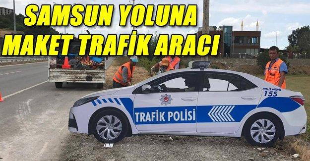 Samsun Yoluna maket trafik polis aracı kondu