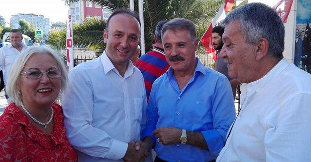 Atakum CHP`de Kutlama