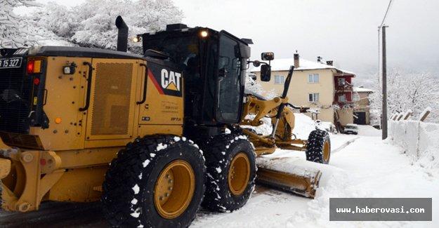 Orta Karadeniz'de Kar yolları kapadı