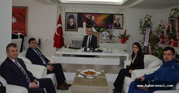 Ahmet Adanur'a Makam ziyaretleri