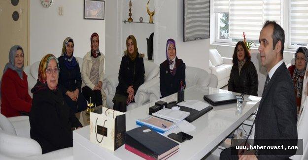 Ak Parti kadın kollarından Adanur'a ziyaret