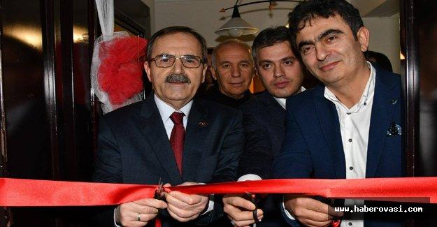 Başkan Zihni Şahin'den muayenehane açılışı