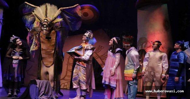 Çocuk müzikalinin serisini sahneye taşıdı