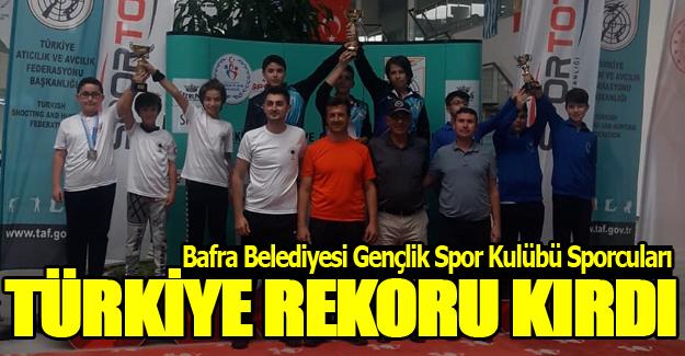 Bafra`lı Atıcılar Türkiye Rekoru Kırdı