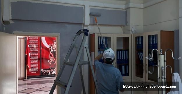 Nazmiye Demirel okulunda boyama çalışması