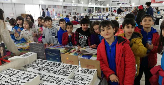 Şehit Ahmet Özsoy Okulu Kitap Fuarı' nda