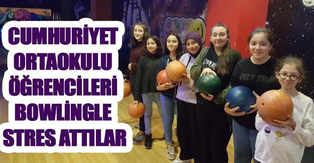 Cumhuriyet ortaokulu öğrencileri bowlingle stres attılar