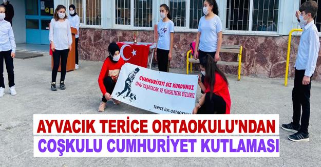Ayvacık Terice Ortaokulu'ndan Coşkulu Cumhuriyet Kutlaması