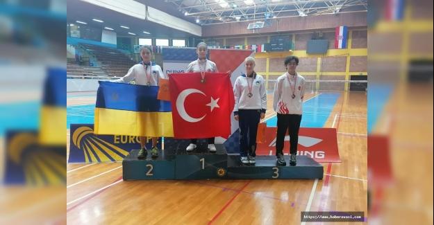 Bafralı Badmintoncular Turnuva 3. sü oldu