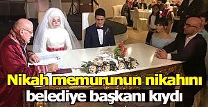 Nikah memurunun nikahını belediye başkanı kıydı