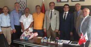 Bafra İYİ Parti'den Kızılay'a ziyaret