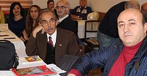 İzmir'den aldı Samsun'da 40 şaire hediye etti