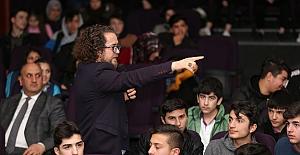 Sait Ercan Canik'te Öğrencilerle buluştu.