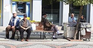 65 yaş üstüne sokak yasaklandı