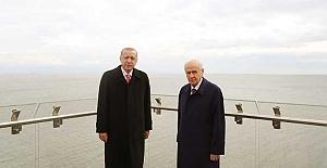 Erdoğan demokrasi adasında konuştu