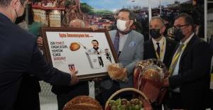 TOBB Başkanına karikatür sürprizi…